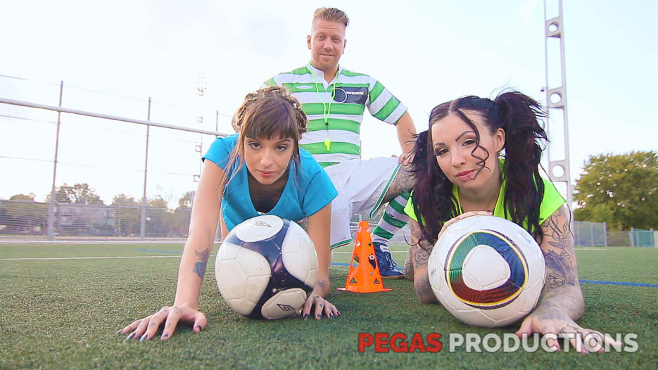 02-coach-soccer