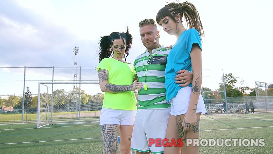 04-coach-soccer