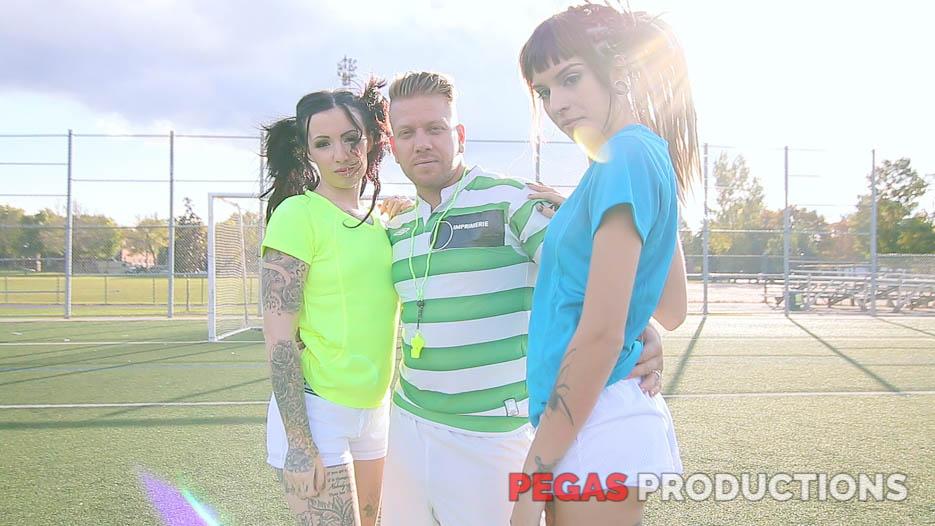 06-coach-soccer