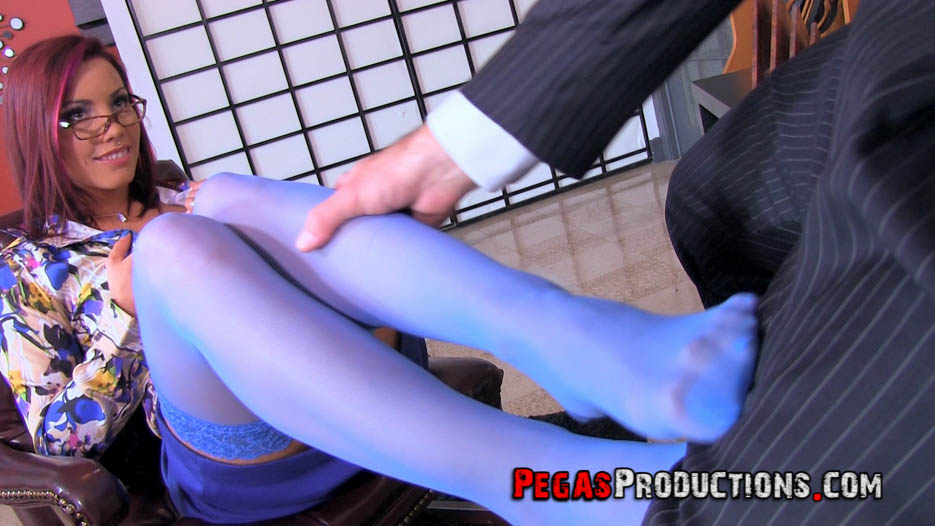 02-vid-vicious-foot-fetish